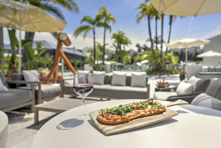 Pizza and Wine at Aura Bar and Grill