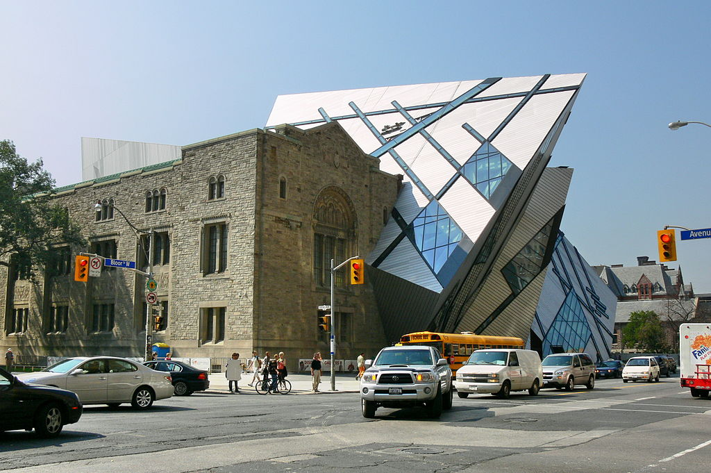 The Royal Ontario Museum — a relatively unliked example of façadism. Photo: Wikimedia