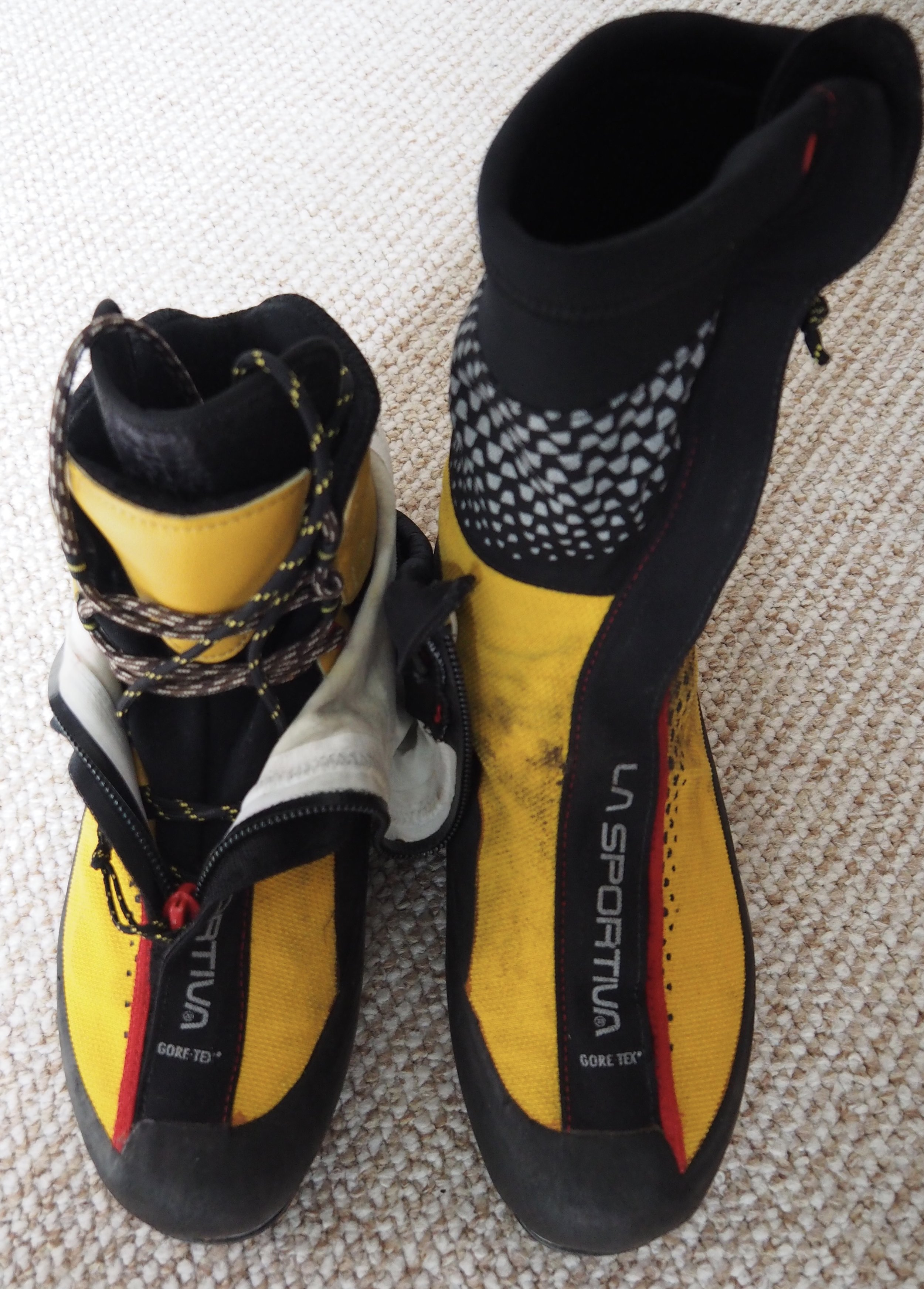 Super Gaiter Boots keep your feet super warm and dry.