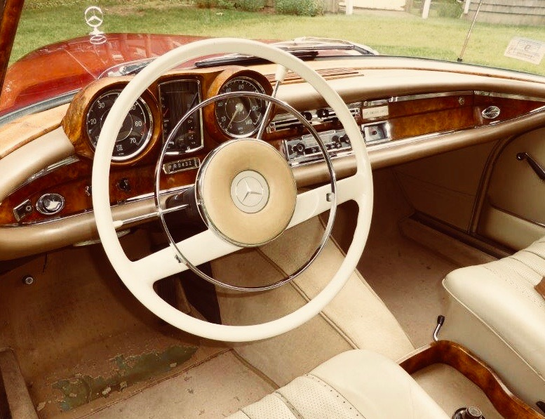Solid Burl Walnut dash. They literally do not make 'em like that anymore.