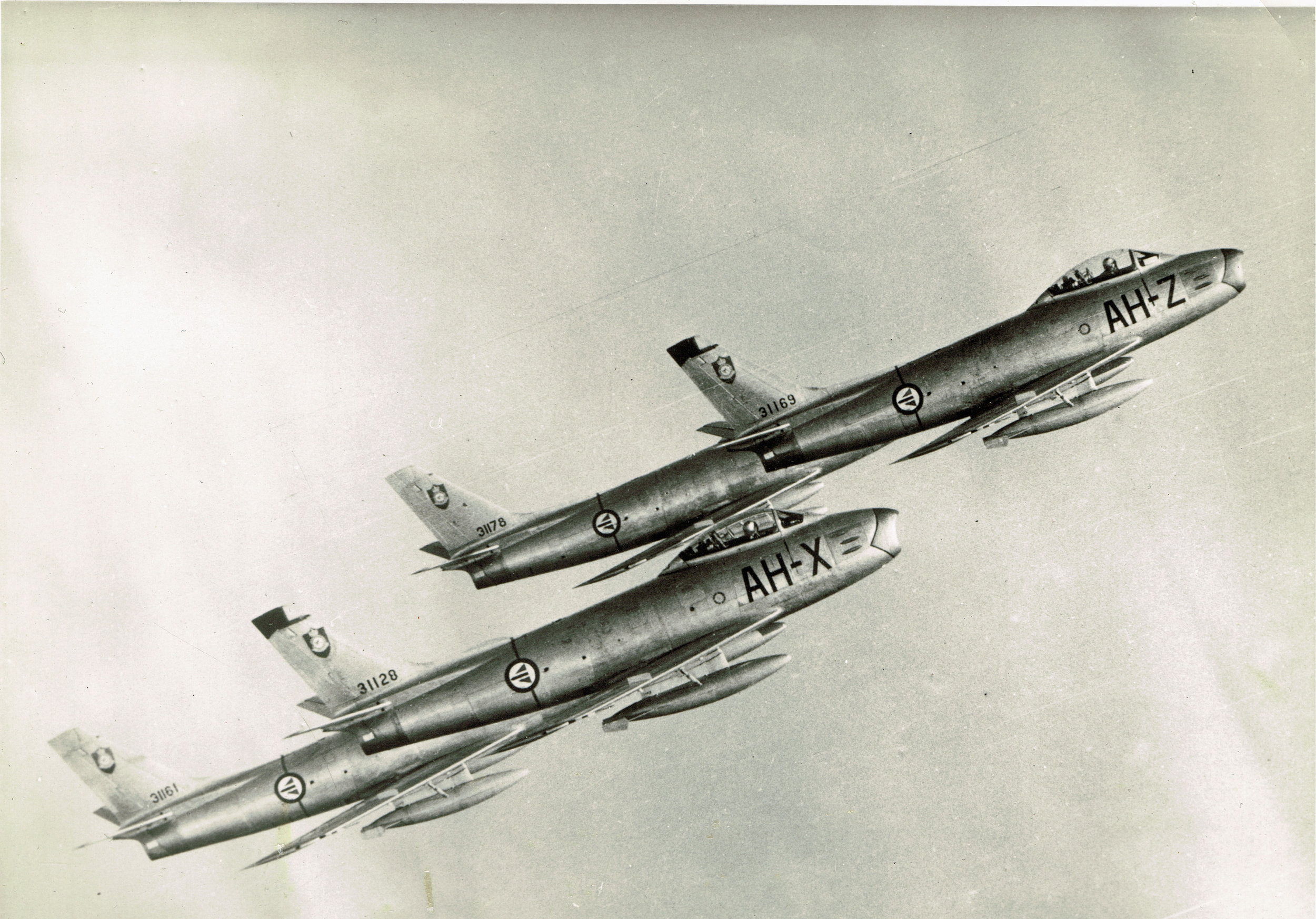 F-86F Sabre før Flying Joker fikk spesialmaling på flyene.                                                                         Foto Stein Klaveness 717 Skvadron