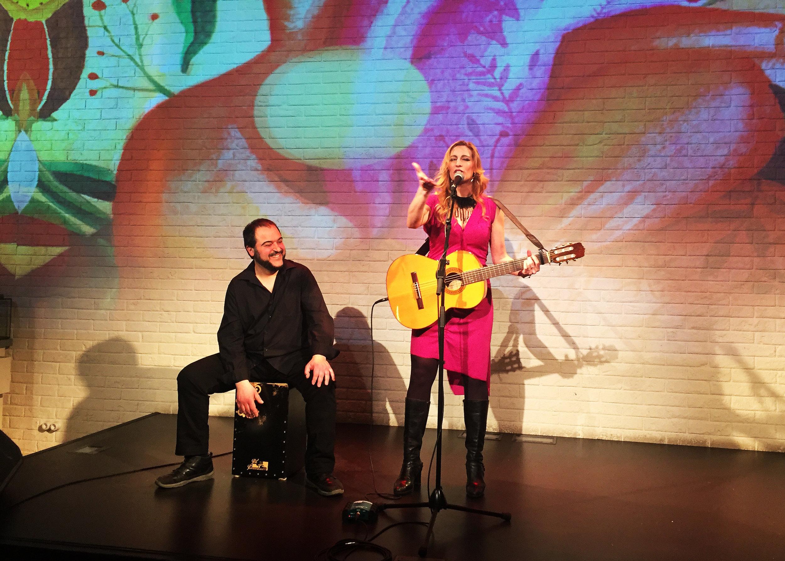 Tori Sparks La Huera Live TV Recording Photo: Alicia Rodriguez