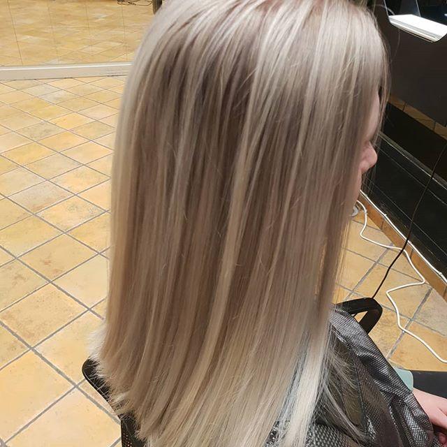 #fra mørkt til blondt.