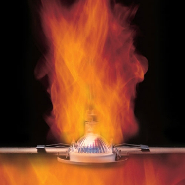 dangers-of-insulation-with-downlights