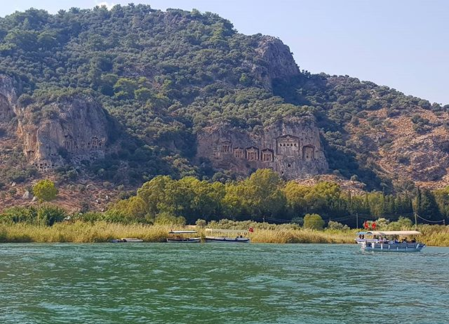 Dalyan lycian ancient tombs of the king boat trip...I love Turkey :) 💫☀️❤ #travel #dalyan #relaxing #boatrip #nature #mud #thermalpool #holidaybreak #marinagonzalezart #beautylandscape #lycian #tombs #ancient