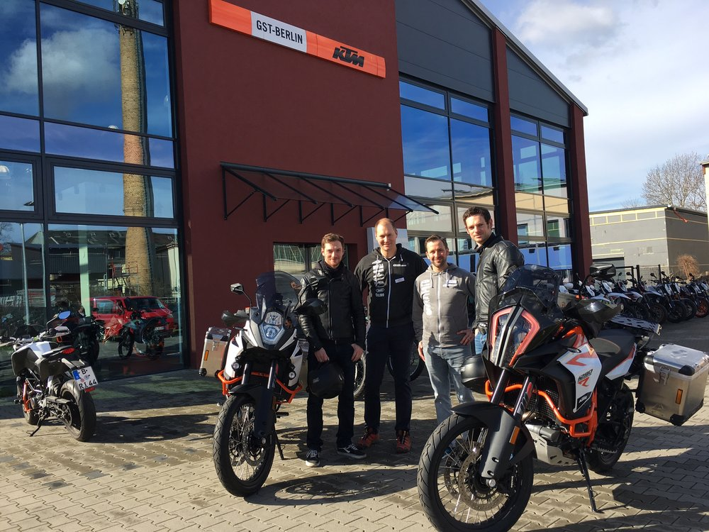 This was in March: We got the brand new KTM 1090 Adventure R (left) and the KTM 1290 Super Adventure R from Christoph and Marco of GST-Berlin.