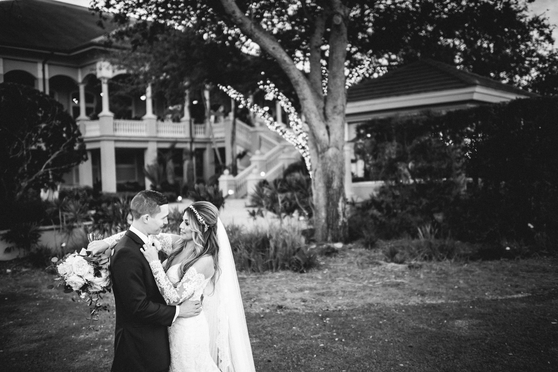 Naples weddings Matt Steeves Photography bride groom.jpg