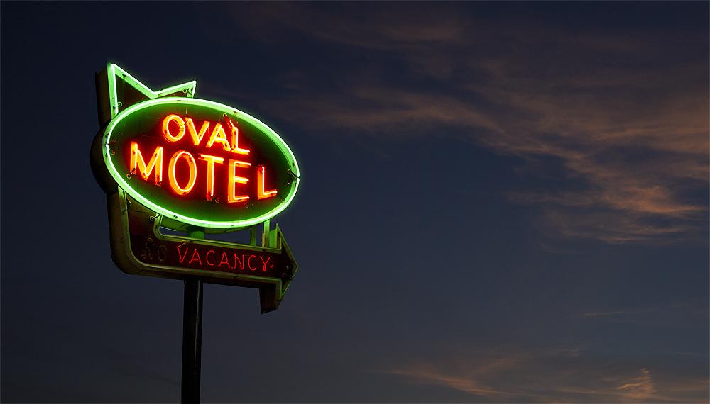 69470-6739203-oval_motel.jpg