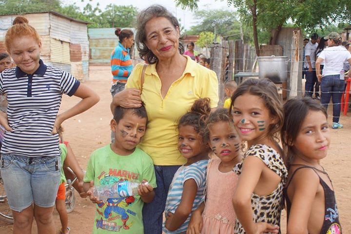 Aleska Zambrano and children