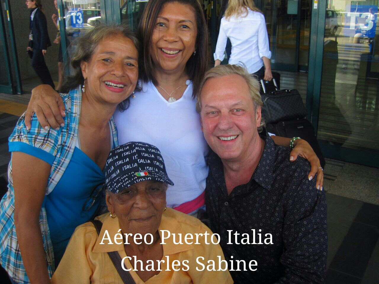 Charles with Mariela, Aleska and Dilia upon our arrival to Rome airport