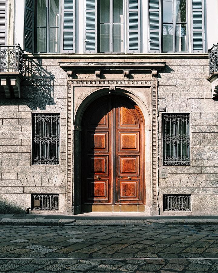 Milan Door