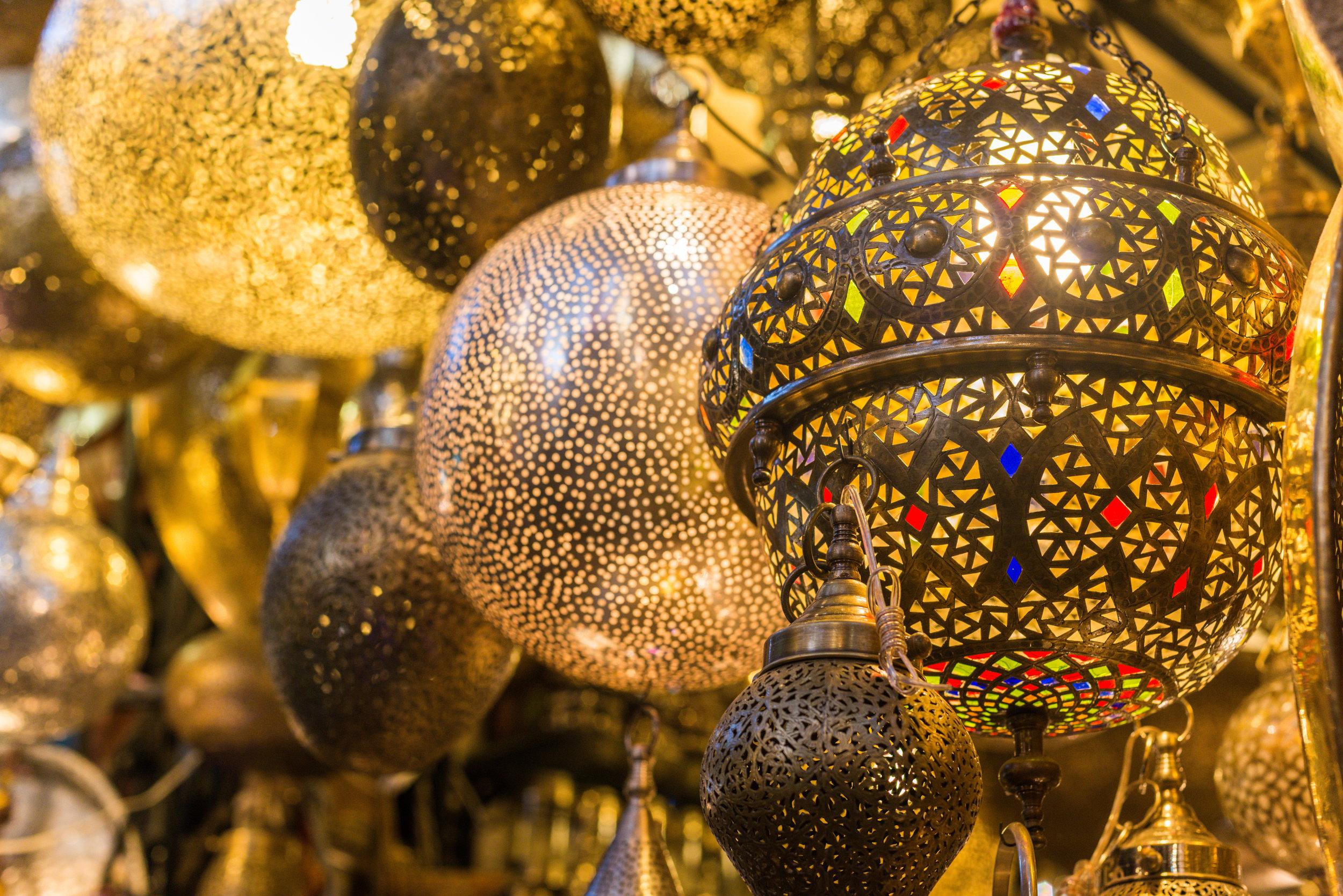 Lanterns iStock-617363728.jpg
