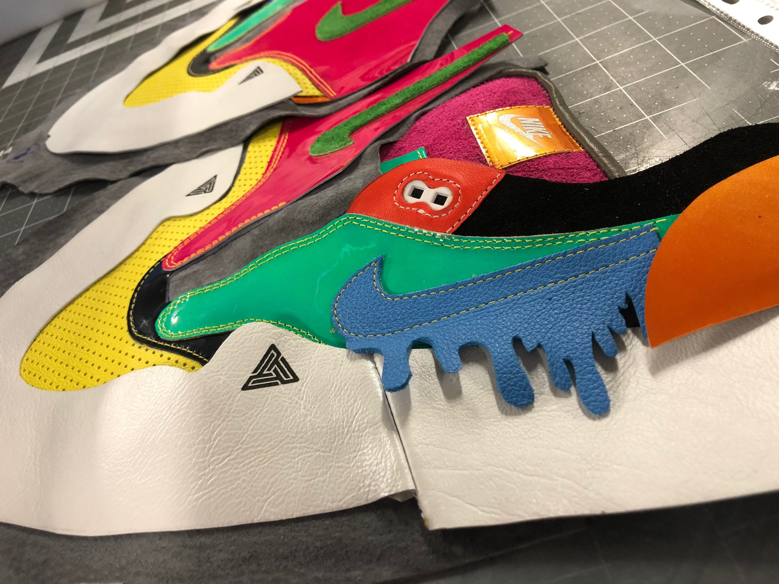 Nike iD Sportswear Bespoke Customizable Shoe Textile Blog
