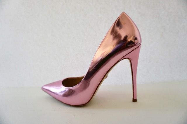 Pink Chrome - These babies are the newest of all my shoes. They're one of my most worn shoes because the classic pointed toe pump paired with the trendy Rose Gold tint make them easy to pop on with a jean, dress, or skirt.