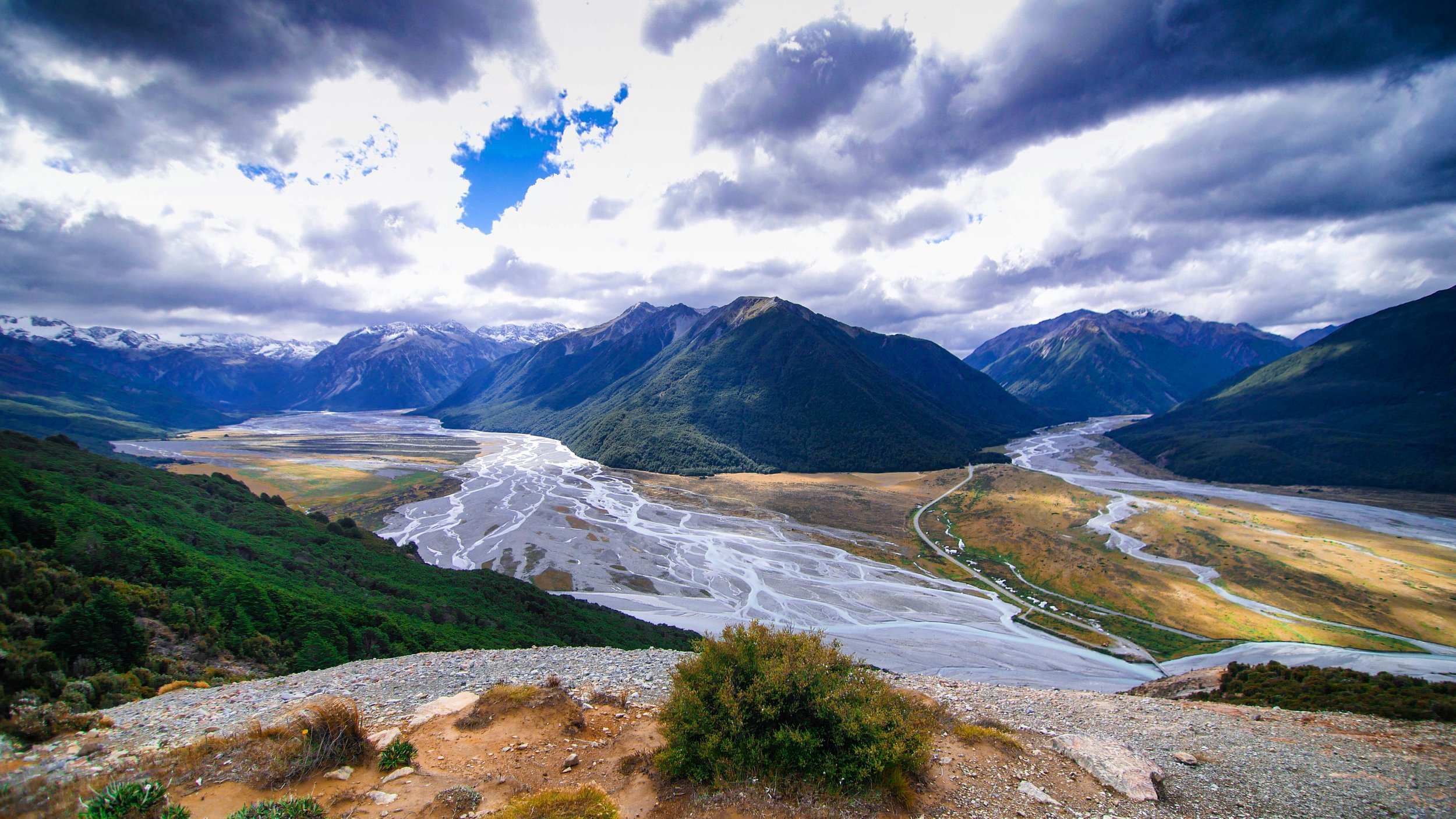 Arthurs_Pass_Bealy_Spur_Track_River_View.JPG
