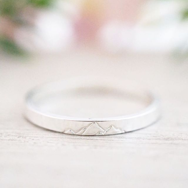 I've been busy busy busy over here getting ready for The Filberg Festival in a couple of weeks.  I'll be bringing all the favourites plus some fun new ring designs like this one! 💕