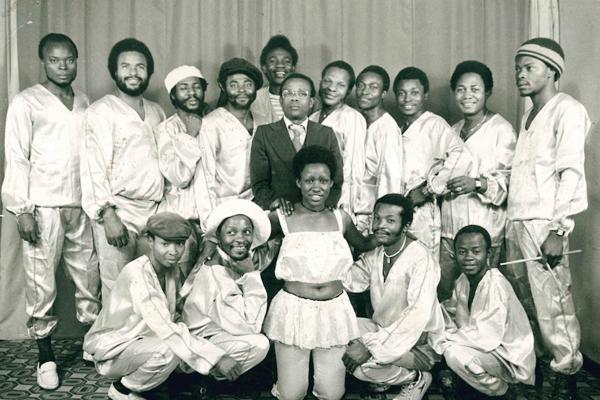 orchestre-les-mangelepa-1970s-600.jpg