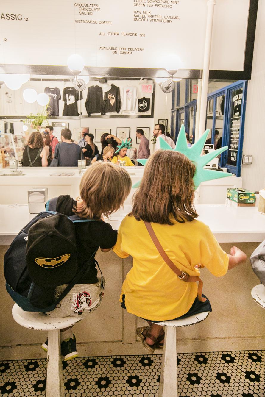 - The best team inMorgenstern's Ice CreamАдрес 1: 88 W Houston Street NY NY 10012 Адрес 2: 2 Rivington Street NY NY 10002Часы работы: Воскресенье - Четверг: 12PM-11PM // Пятница - Суббота: 12PM-12AM