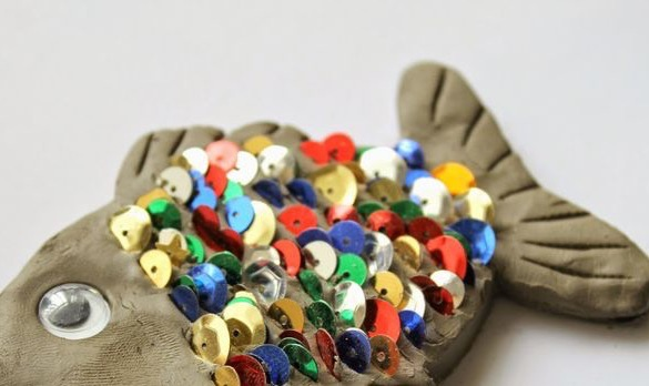 Come and join us THIS FRIDAY (17th February) for a fun craft session between 10-12.  Price - £4.50 (includes materials)  or Price - £6 (includes a kids lunch)  Materials provided - Air drying Clay, Googley Eye and sequins.  Lunch - Included (Sandwich with choice of filling, Veg Sticks & Tortilla Chips with a drink.
