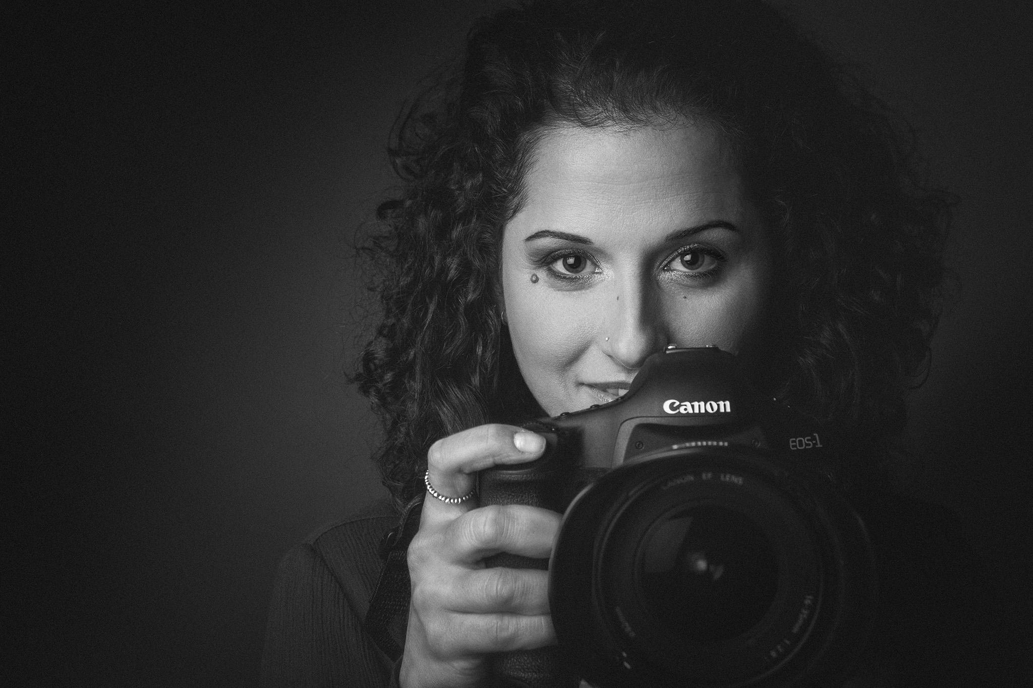 Chi scatta? Un bel pomeriggio in compagnia della nostra amica e collega Alessandra Mango  MUA: Monica Maturo  Canon EOS-1Ds Mark III - EF 24-70mm f/2.8L USM