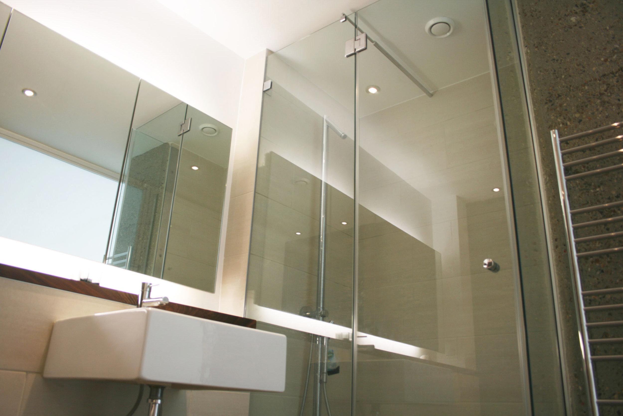 Bathroom_3042.JPG