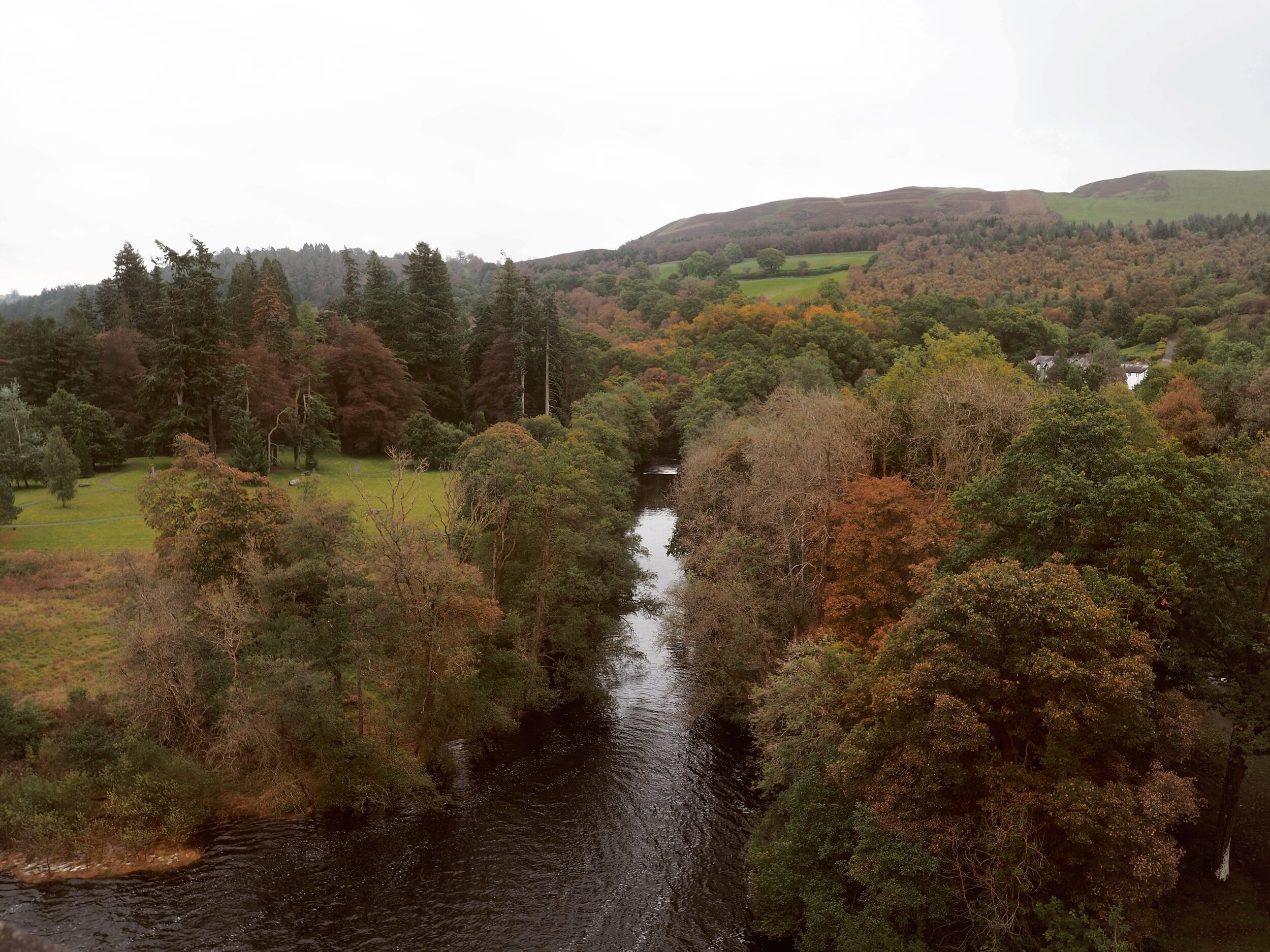 - We headed into Wales, to the edge of Snowdonia, to a place we had been wanting to explore for a while. Lake Vyrnwy is a 24,000 acre RSPB sanctuary with a stunning lake, large man-made dam and plenty of woodland walks.