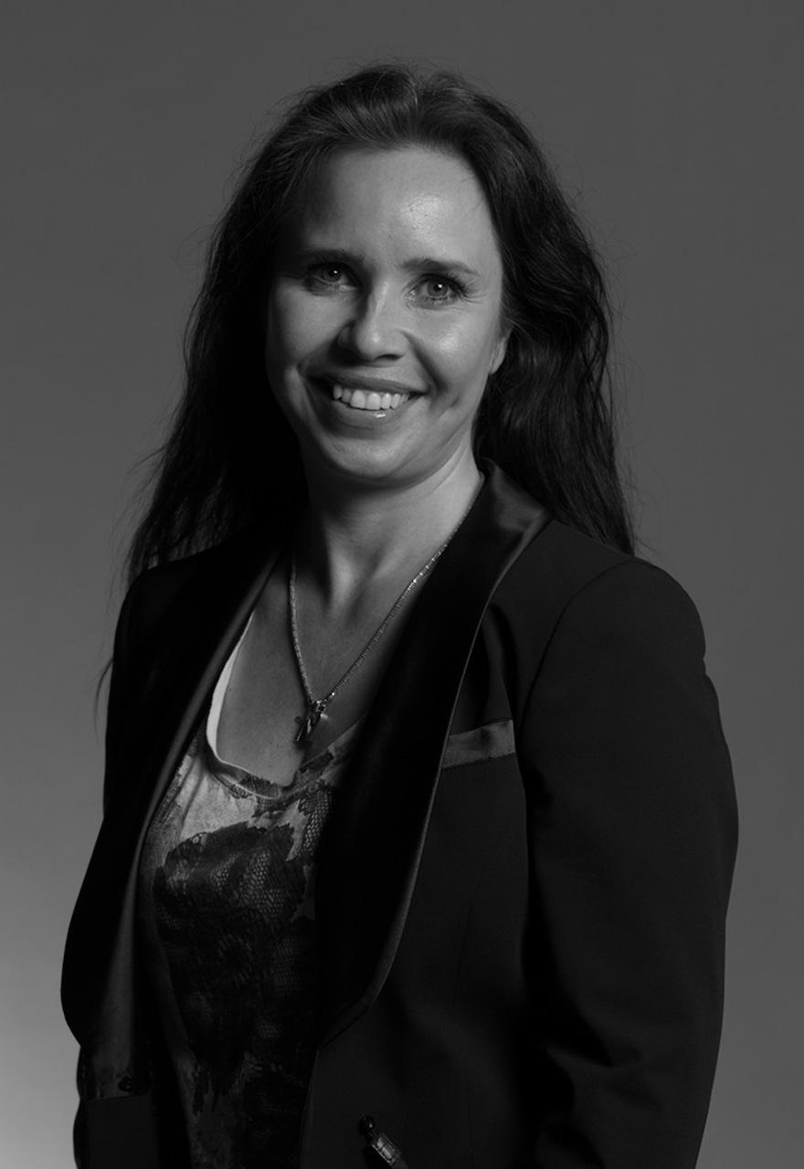 Karin Skoog Winters  OWNER & CEO   karin@luckypunk.se  +46 (0)70 884 59 59