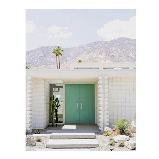Goodbye summer. 😢 Image - Pinterest  #palmsprings #palmspringsarchitecture  #ihavethisthingwithdoors