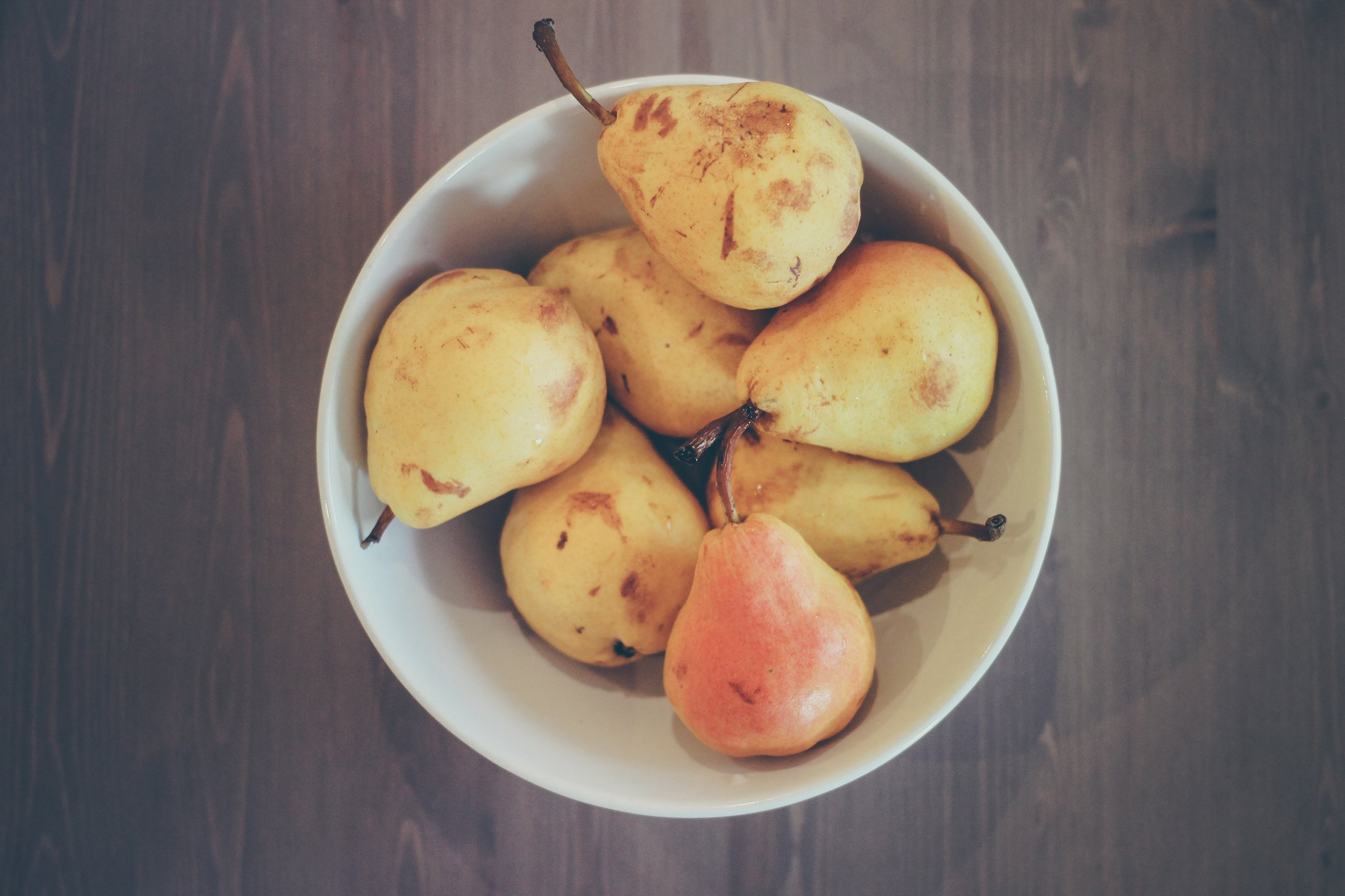 Pears are cleansing and full of vitamins, minerals and fiber. They gently cleanse the liver and help the flu; relieving thirst and reducing phlegm. -