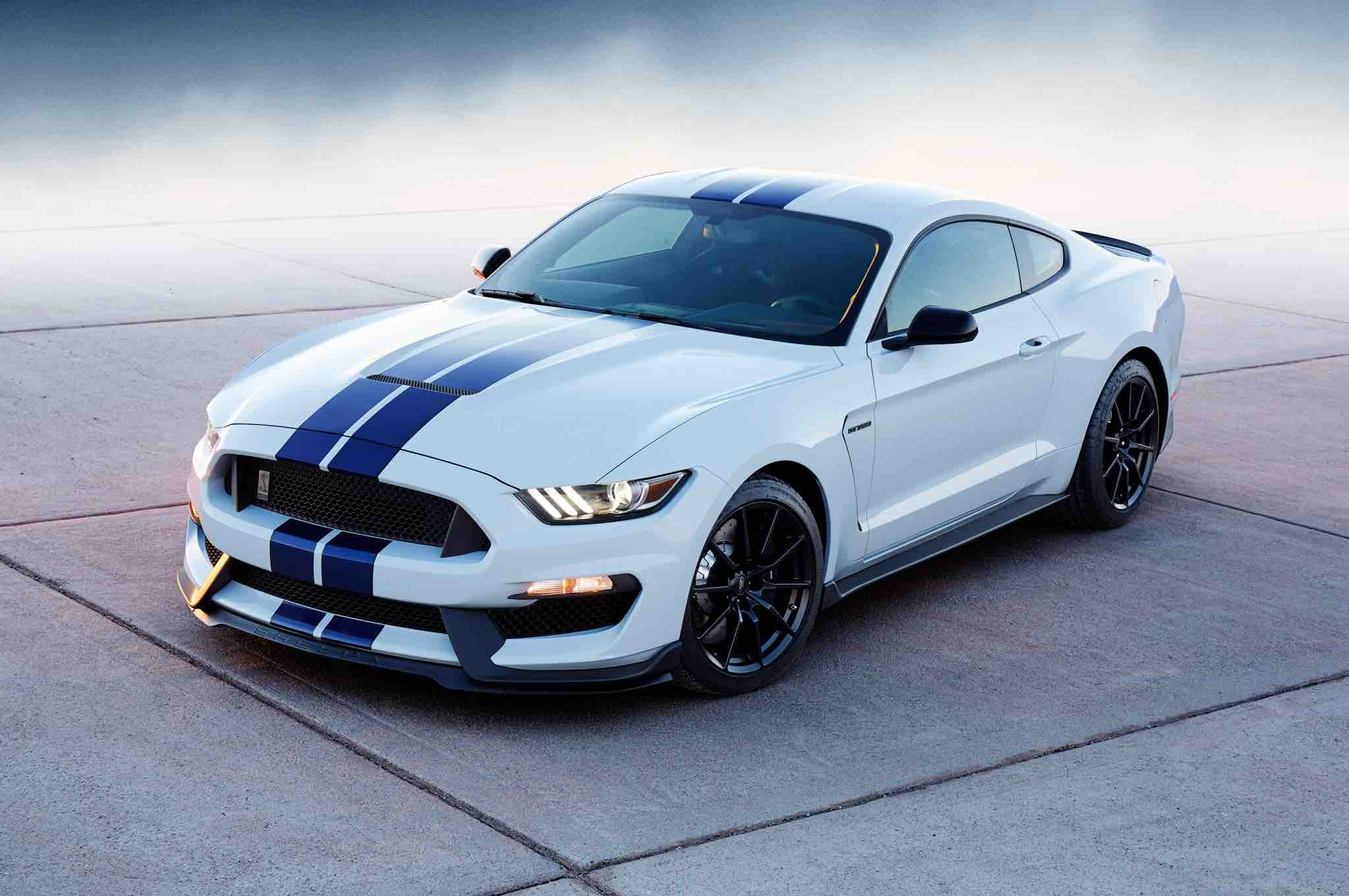 vehicle-sourcing-mustang-luxury-in-motion