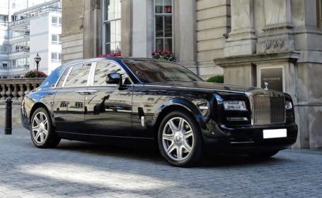 Luxury-in-motion-chauffeur-driven-wedding-car-hire-surrey-rolls-royce-phantom.jpg