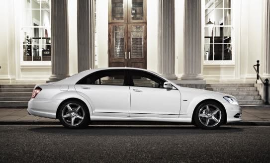 Luxury-in-motion-chauffeur-service-surrey-about-us-chauffeur-profiles-mercedes-s-class-image.jpg