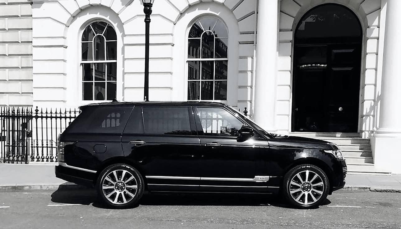 Luxury-in-motion-chauffeur-service-surrey-range-rover-vogue-main-image.jpg