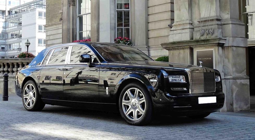Luxury-in-motion-chauffeur-service-surrey-our-vehicles-rolls-royce-phantom-main-image.jpg