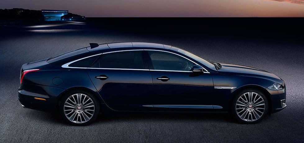 Luxury-in-motion-chauffeur-service-surrey-our-vehicles-jaguar-xjl-main-image.jpg