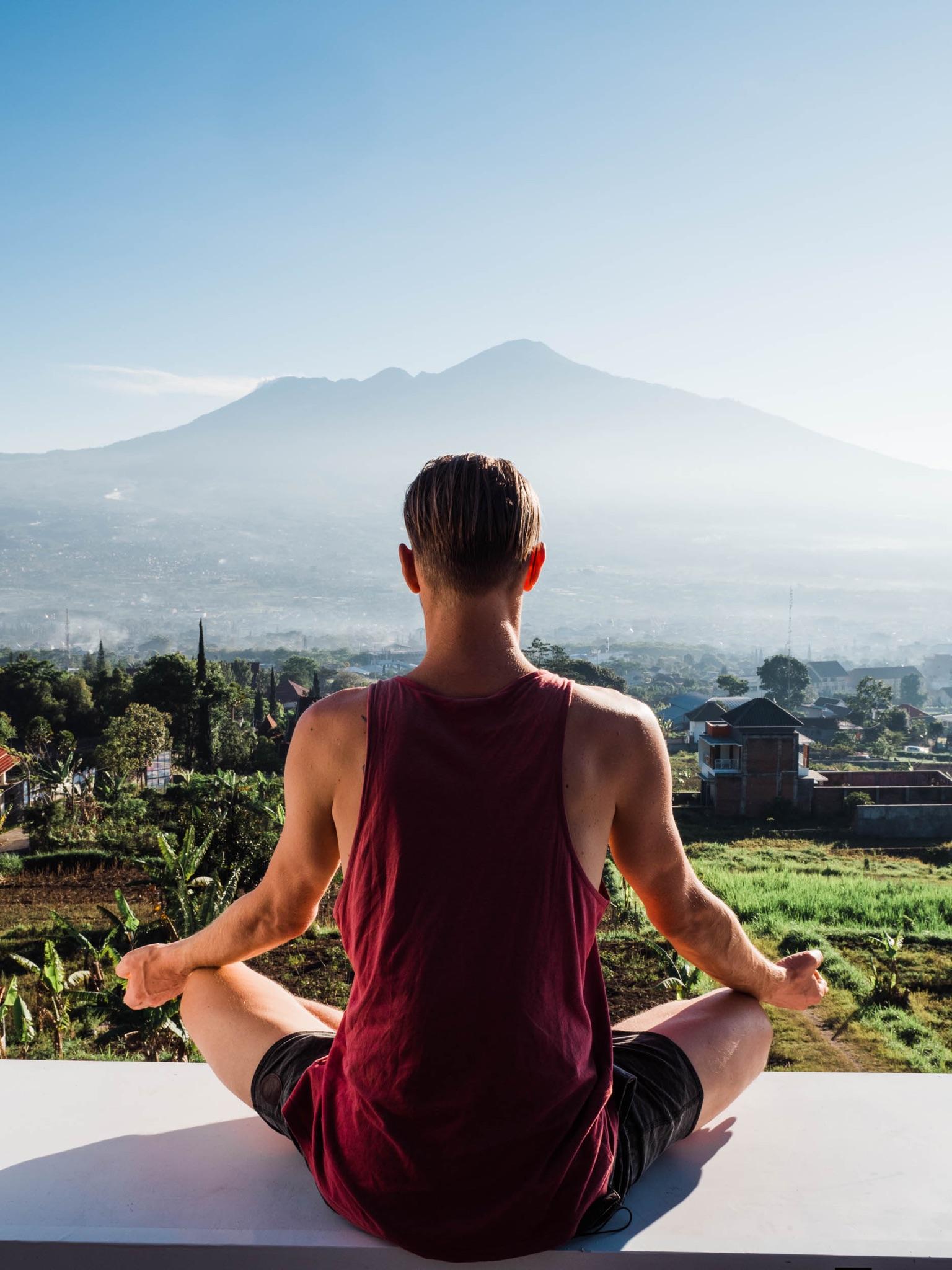 Yves am Meditieren