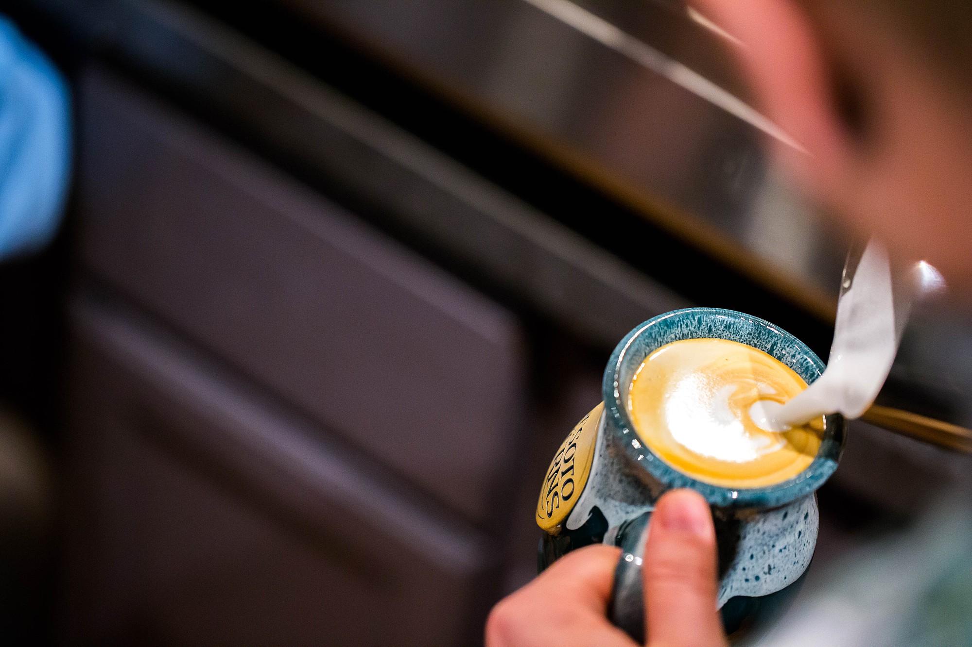 cave-cafe-latte