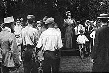 Ida-Mathis-with-farmers.jpg