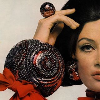 Bert Stern bauble power! '65 #vintagehair #vintagemakeup #vintagejewelry #60smakeup #60sfashion #60shair #tminx #touchofminx