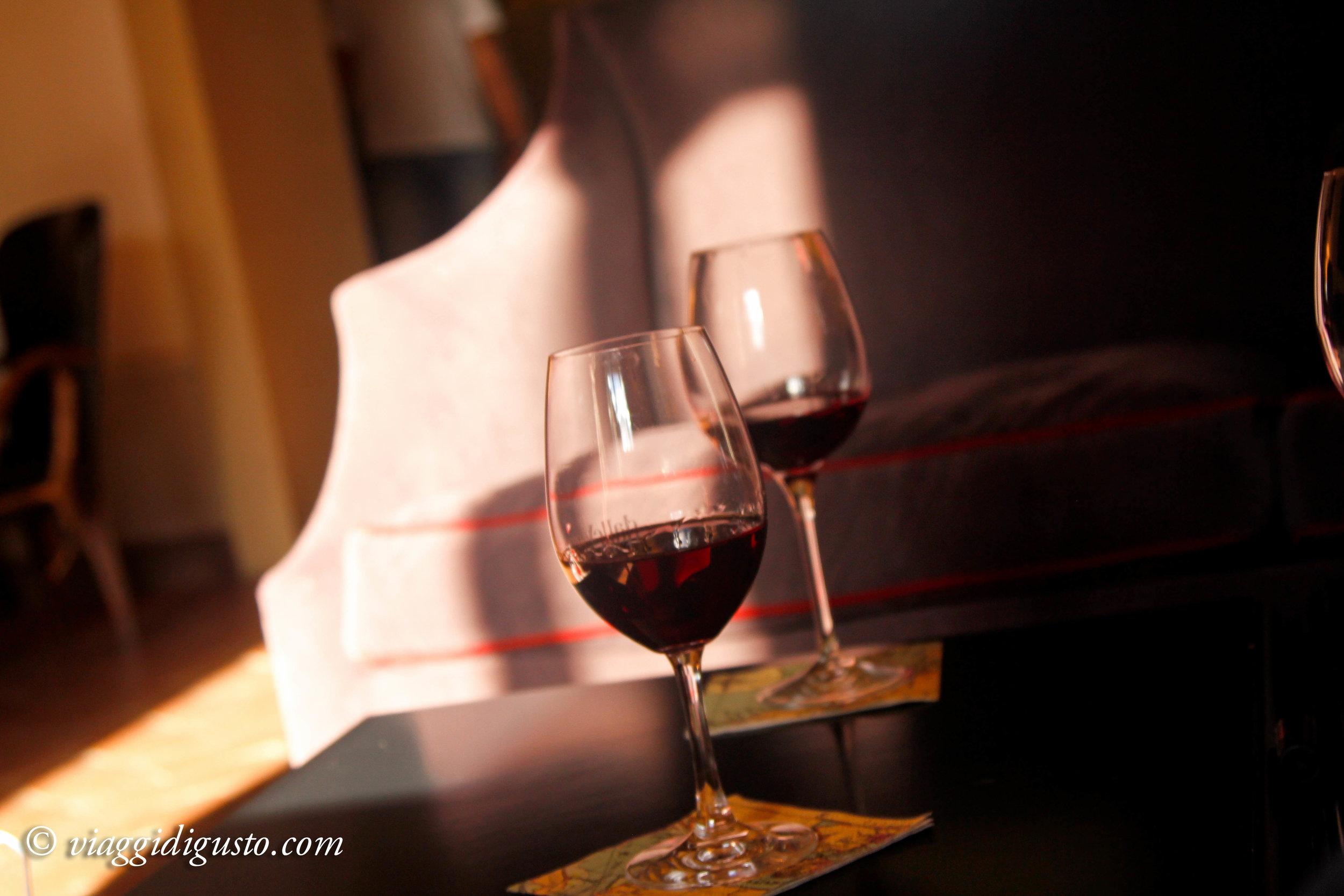wine glasses ll borgo.jpg