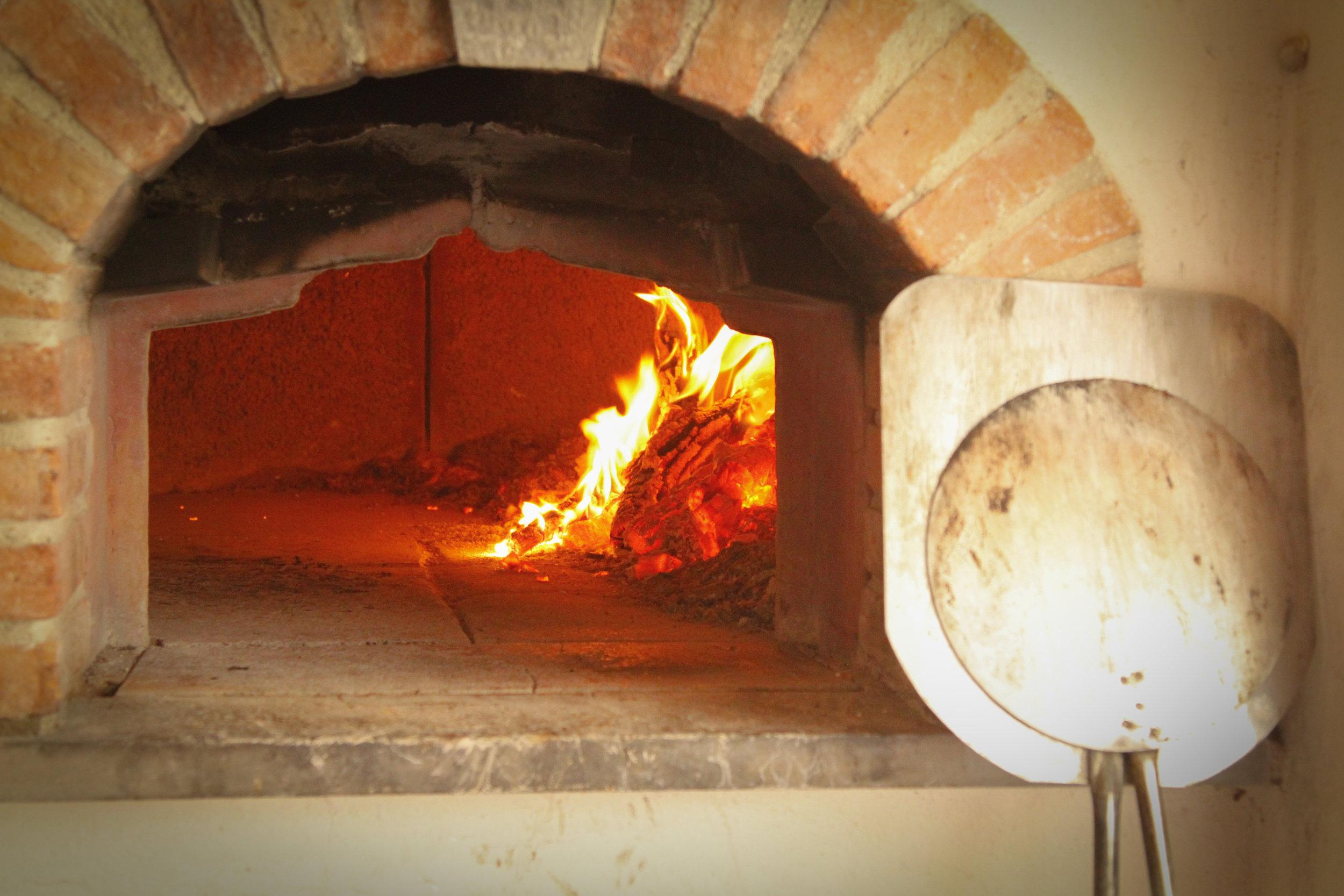 pizza oven tuscany.jpg