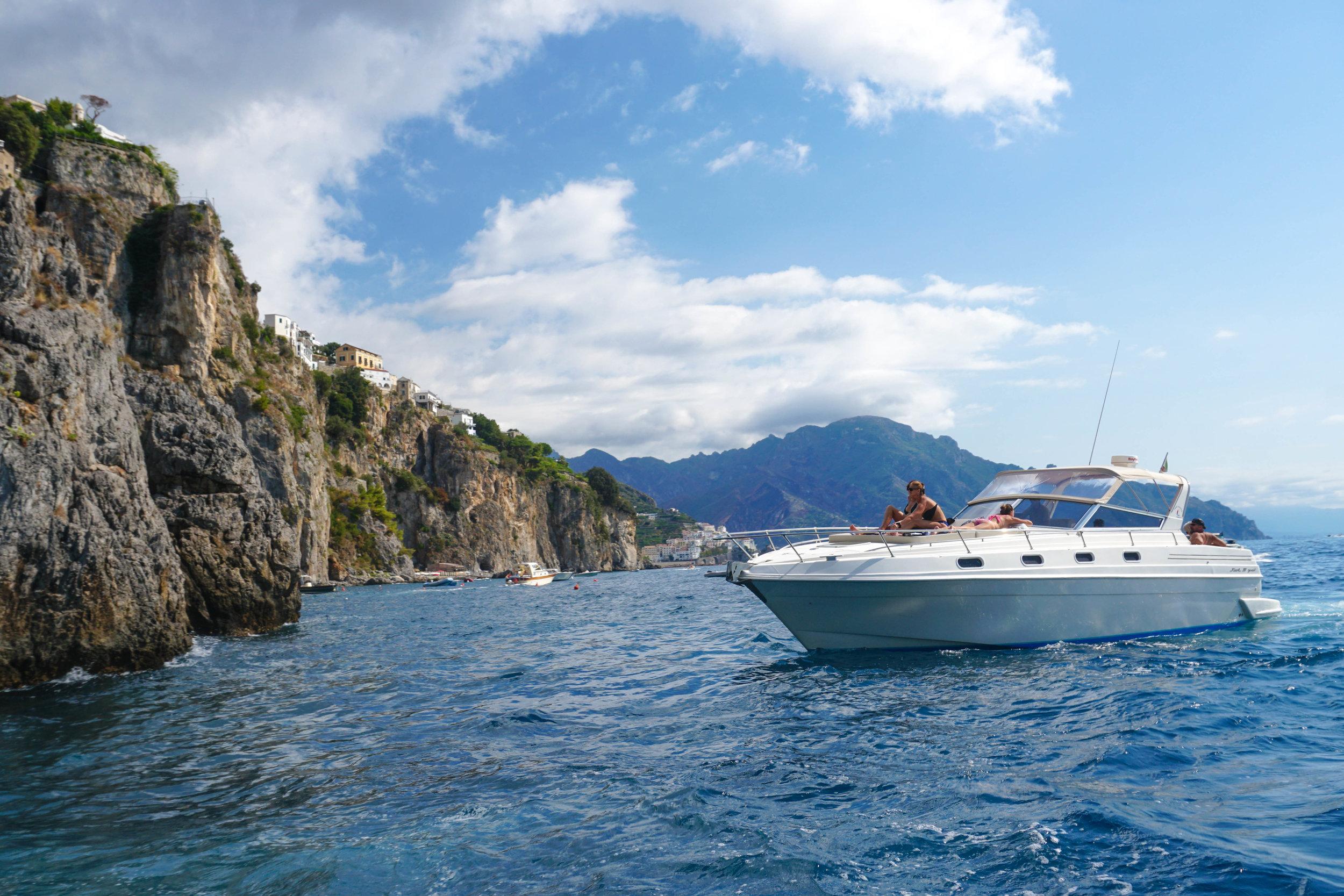 amalfi boat.jpg