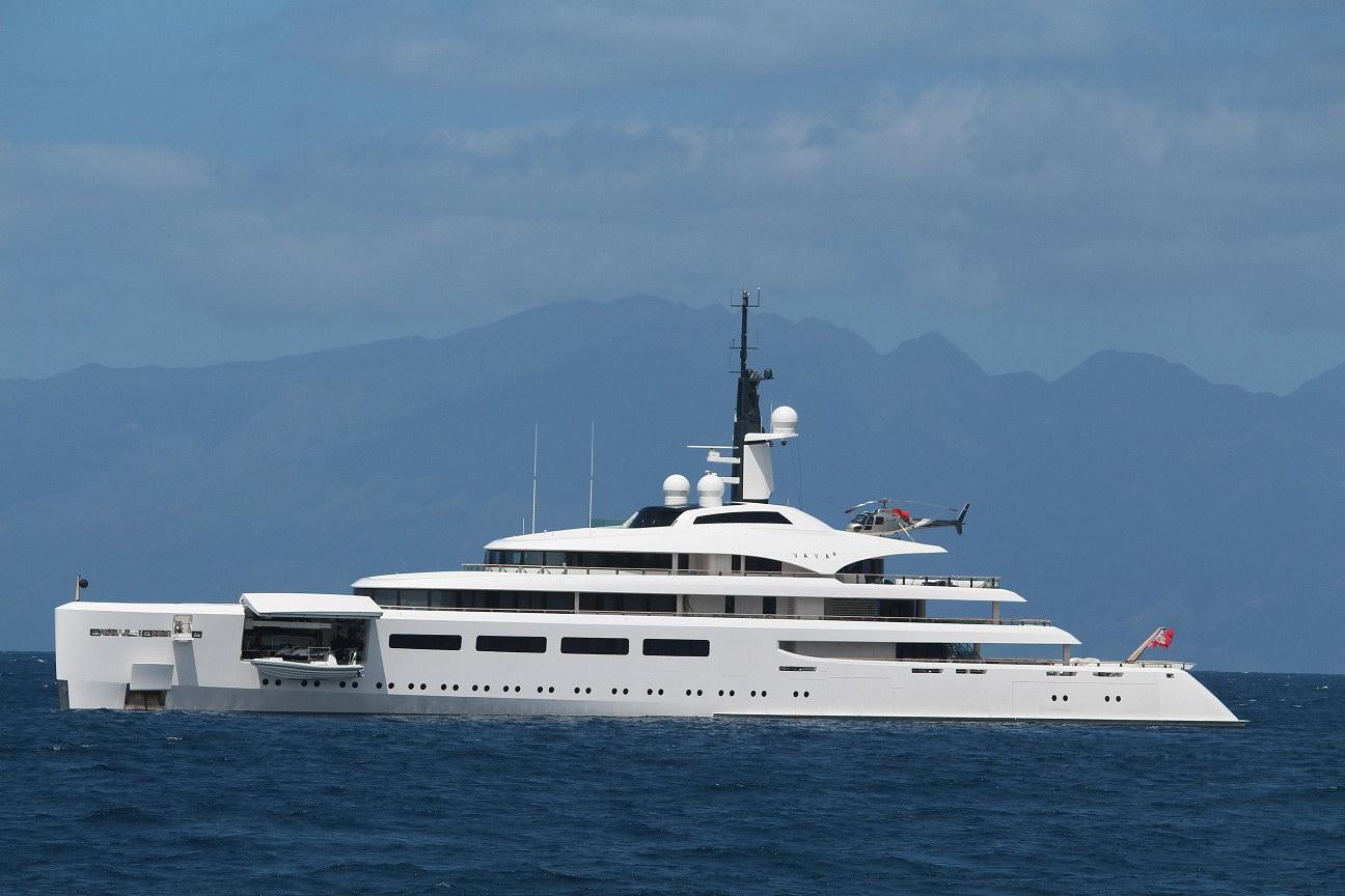 Vava II luxury yacht.jpg