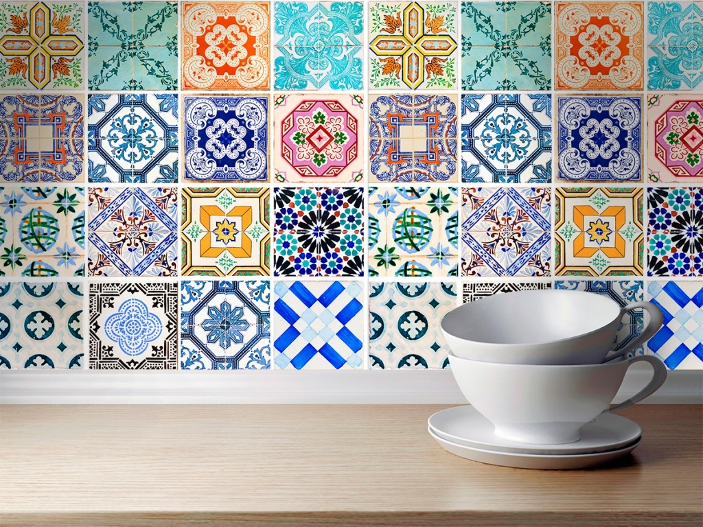 Awesome-Spanish-Tiles-Kitchen-Backsplash.jpg