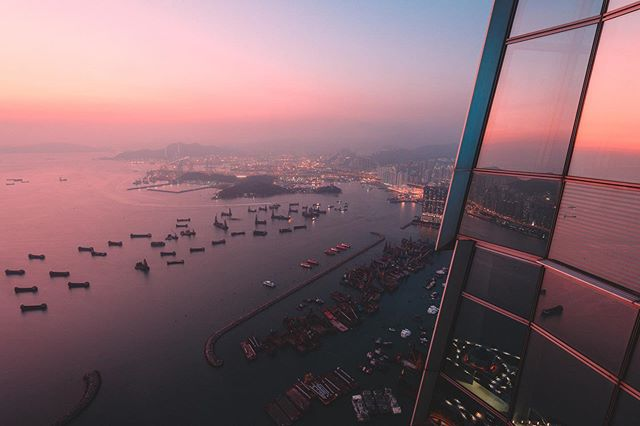 Welcome on the 100th floor of the ICC building in West Kowloon. I've been planning this shot for 4 years to get it the way I wanted it. It needed the right weather/sunset conditions, a good way to get rid of the window reflections and a big portion of luck. Really happy I was able to take it the way I wanted it this time.  Did you know that two stories higher the Ritz-Carlton is located. Being one of the highest hotel in the world, who would say no to that view?
