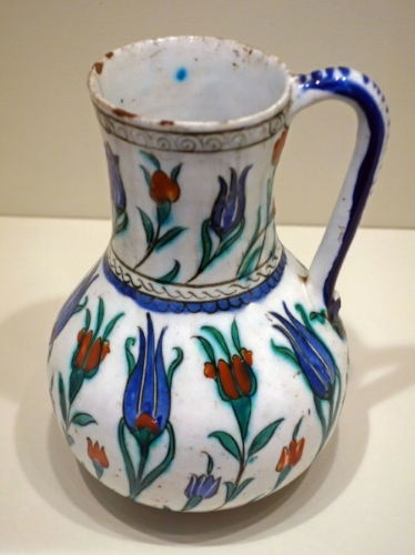 Inznik , Jar with Tulips