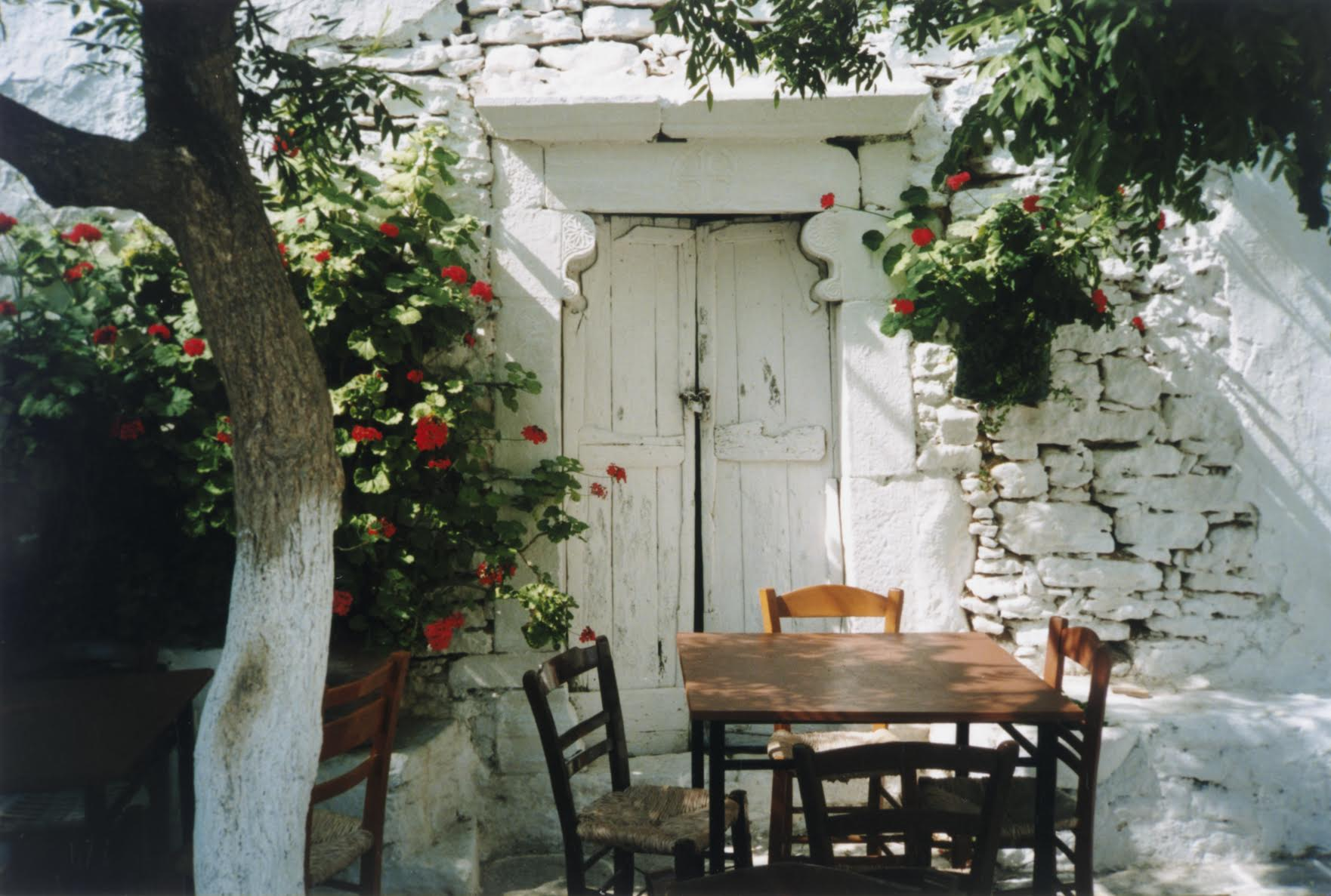 In the Plaka of Folegandros