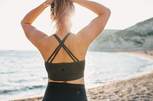 Sorry we've been super busy the past few days. Hope all of you are enjoying this BEAUTIFUL weather?! If you're too hot.. our sports bras are a perfect thing to wear .. please use the discount code : #Sun2019 - on this product! It's our treat. 🙌 - - - - #sportsbra #socialchange #weareresolute #sunnyweatger #sun #beach #durdledoor #gym #fitfam #fuckcancer #activewear #fitness #athlete #health #healthyness #healthiswealth