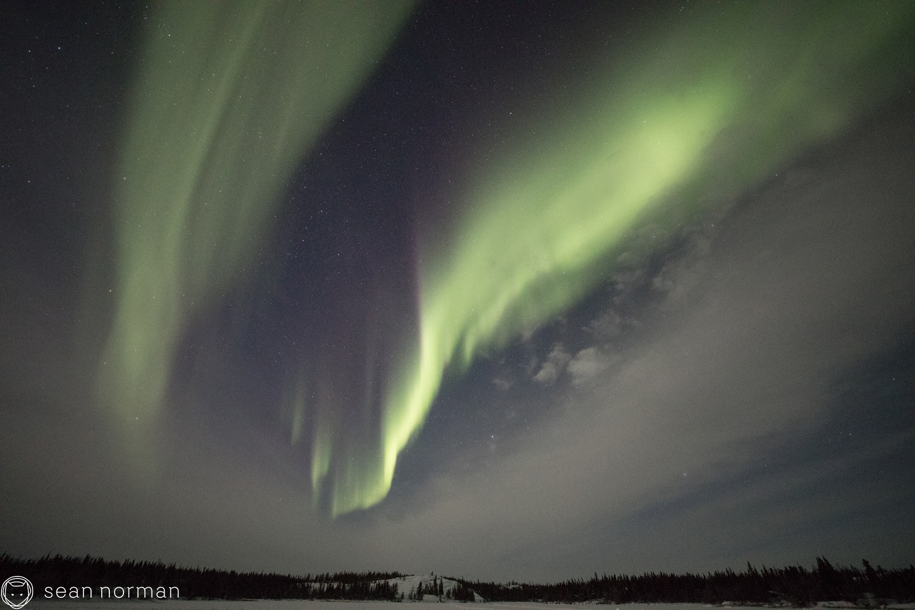 Best Place to See the Aurora - Yellowknife Canada Aurora Chaser - 2.jpg