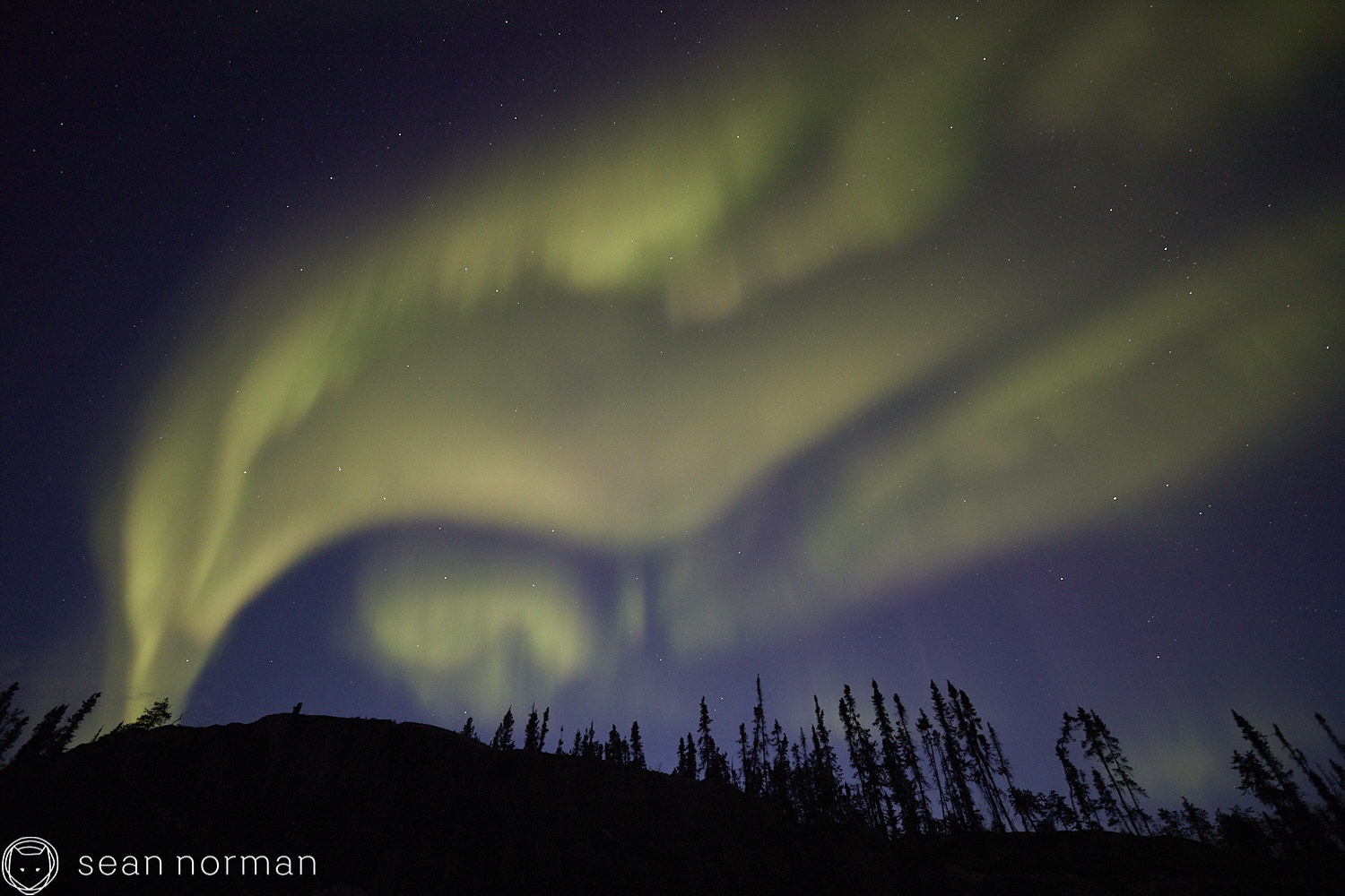 Yellowknife Aurora Guide - Northern Lights Tour - 03 1.jpg